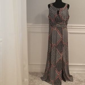 (NWOT) Must Have Curvy Girl Dress